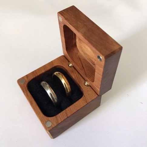 Rimu Ring with double insert